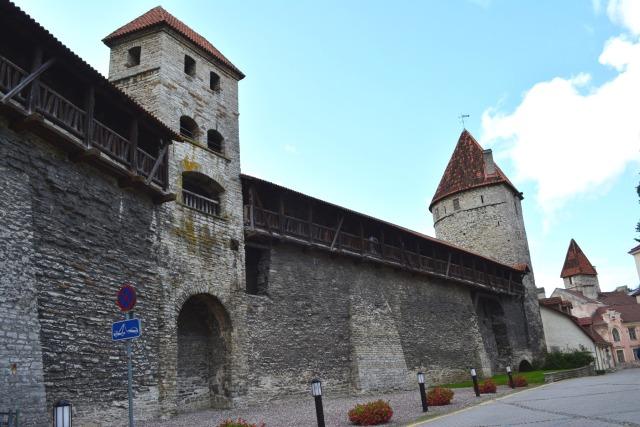 CoverMore_Lisa_Owen_Estonia_Tallinn_Medieval_Walls_Resized_.jpg