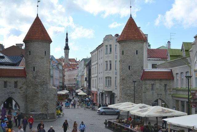 CoverMore_Lisa_Owen_Estonia_Tallinn_Old_Town_Resized