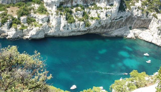CoverMore_Lisa_Owen_France_Cassis_Calanque_Hike.JPG