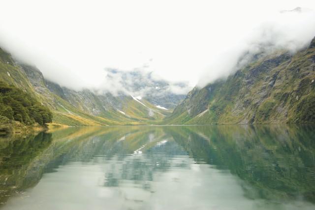 CoverMore_Lisa_Owen_New_Zealand_Milford_Lake_Marian.JPG