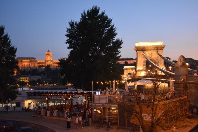 CoverMore_Lisa_Owen_Hungary_Budapest_Chain_Bridge_Evening.JPG
