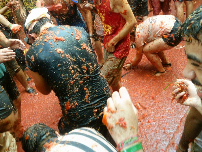 CoverMore_Lisa_Owen_Spain_LaTomatina_Middle.JPG