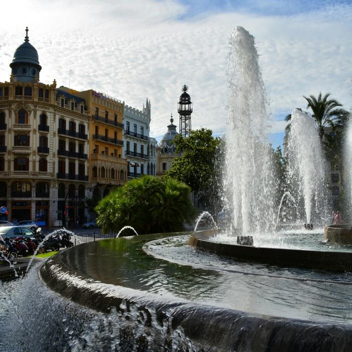 CoverMore_Lisa_Owen_Spain_Valencia_Fountains.jpg