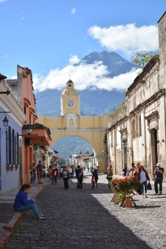 CoverMore_Lisa_Owen_Guatemala_Antigua_Santa_Catalina_Arch