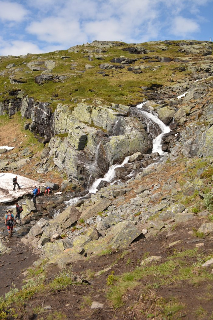 CoverMore_Lisa_Owen_Norway_Hike_Trolltunga_Waterfall_Crossing