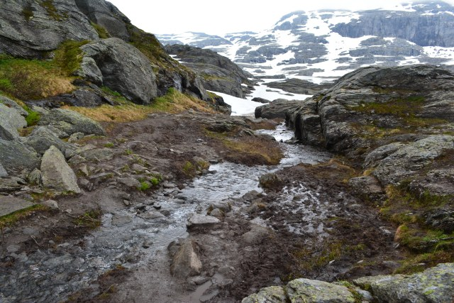 CoverMore_Lisa_Owen_Norway_Trolltunga_Hike_Waterfall_Snow.JPG
