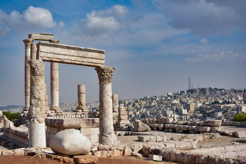 Wandering ancient ruins in Jordan'scapital