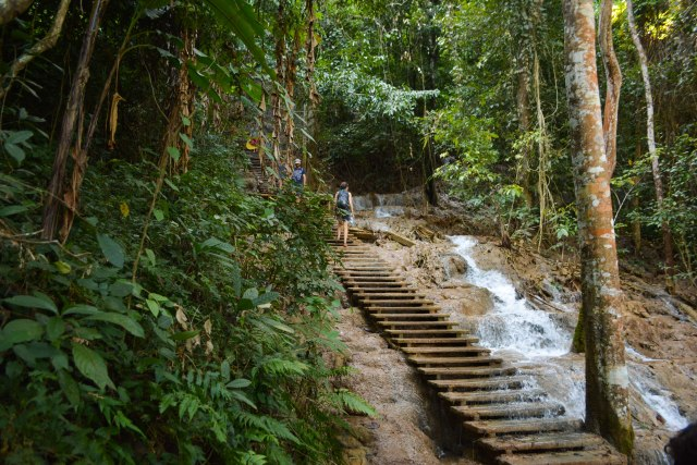 CoverMore_Lisa_Owen_Laos_KuangWaterfallHike