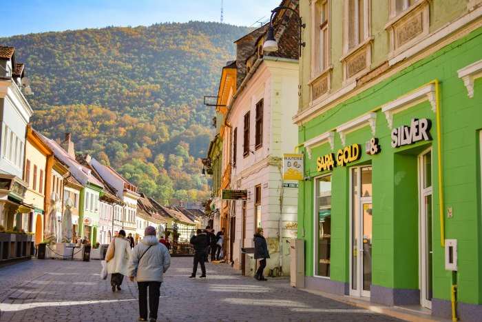 CoverMore_Lisa_Owen_Romania_Brasov_OldTown