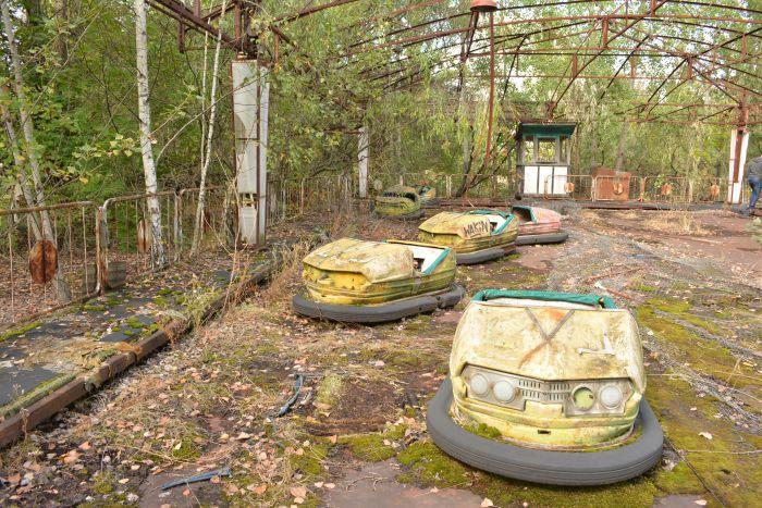CoverMore_Lisa_Owen_Ukraine_Chernobyl_DodgemCars