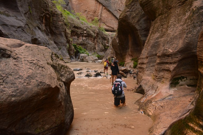 CoverMore_USA_Zion_Narrows_WaterCrossing