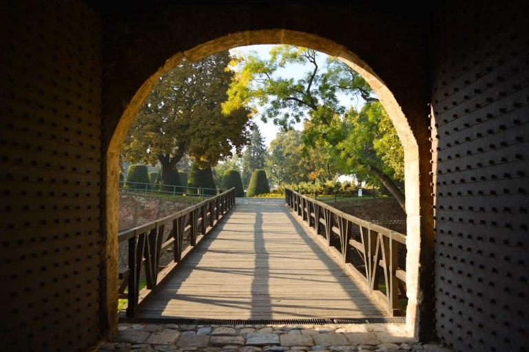 CoverMore_Lisa_Owen_Serbia_Belgrade_Fortress_Gate