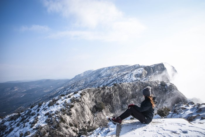 CoverMore_Lisa_Owen_France_Sainte Victoire Mountain