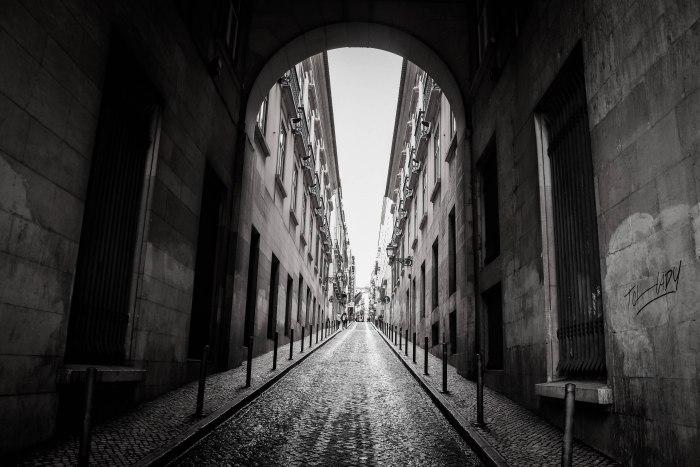CoverMore_Lisa_Owen_Portugal_Lisbon_Streetscape Black&White