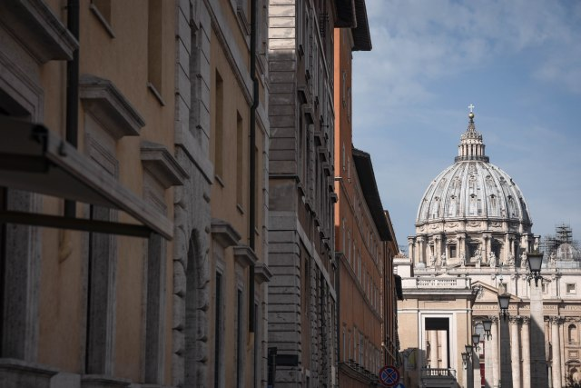 CoverMore_Lisa_Owen_Italy_Rome_St Peter's Basilica