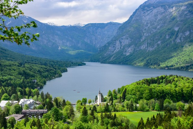 CoverMore_Lisa_Owen_Slovenia_Bohinj lakeview