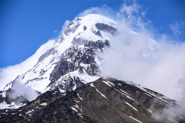CoverMore_Lisa_Owen_Georgia_Mt Kazbek