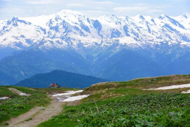 CoverMore_Lisa_Owen_Georgia_Mountains Hut