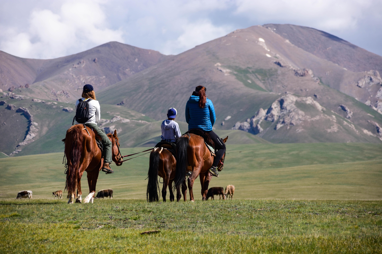 CoverMore_Lisa_Owen_Kyrgyzstan_Song Kul_Horseriding