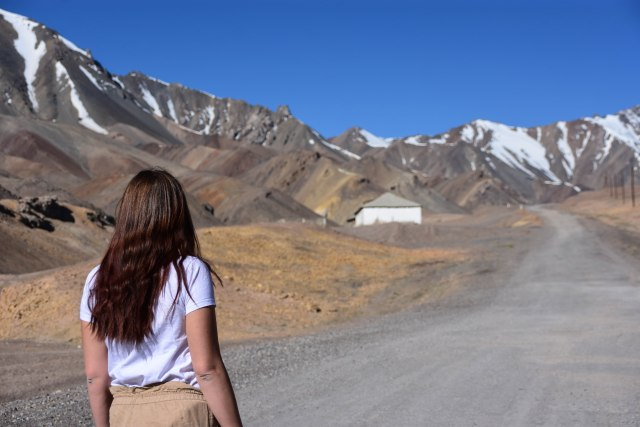 CoverMore_Lisa_Owen_Tajikistan_Pamir Highway Portrait Mountains