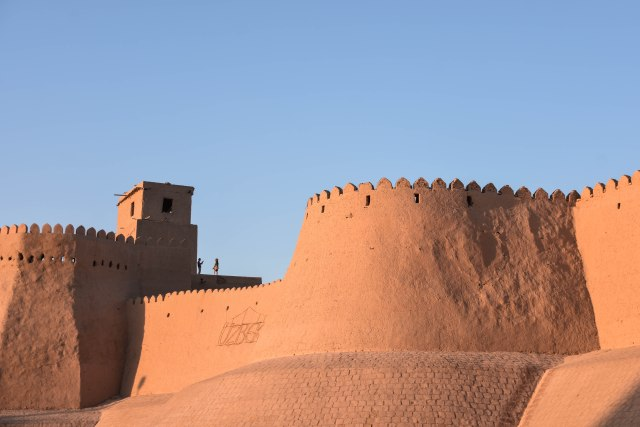 CoverMore_Lisa_Owen_Uzbekistan_Khiva Old City Walls Sunset