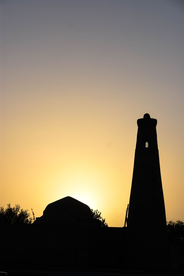 CoverMore_Lisa_Owen_Uzbekistan_Khiva Sunset Tower (2)