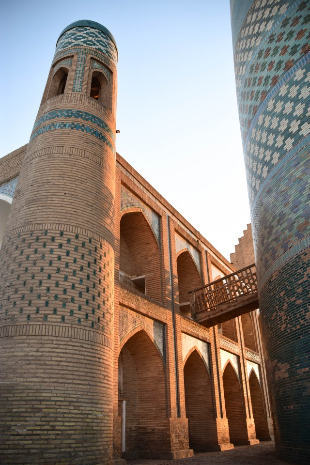 CoverMore_Lisa_Owen_Uzbekistan_Khiva Sunset Tower