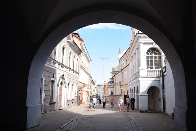 CoverMore_Lisa_Owen_Baltics_Vilnius Gate of Dawn