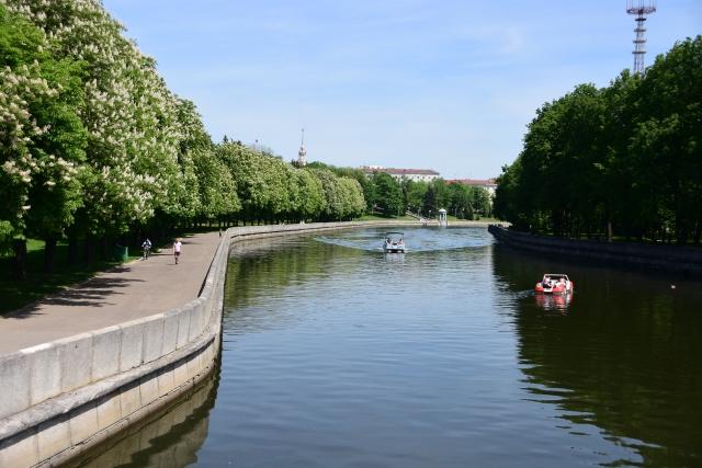 CoverMore_Lisa_Owen_Baltics_Minsk River