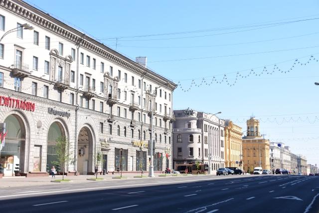 CoverMore_Lisa_Owen_Baltics_Minsk Street