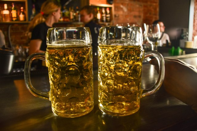 CoverMore_Lisa_Owen_Baltics_Minsk_Beer time