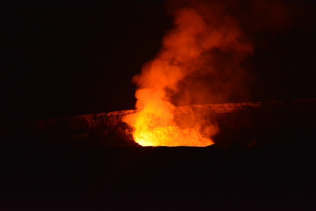 CoverMore_Lisa_Owen_USA_Hawaii_Big_Island_Volcano_Night - Copy