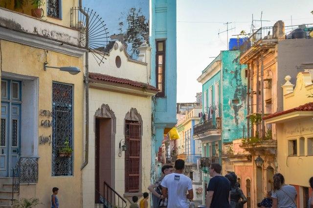 CoverMore_Lisa_Owen_Cuba_Colouredbuildings