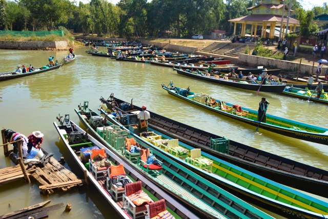 CoverMore_Lisa_Owen_Myanmar_Inle_IndeinBoats